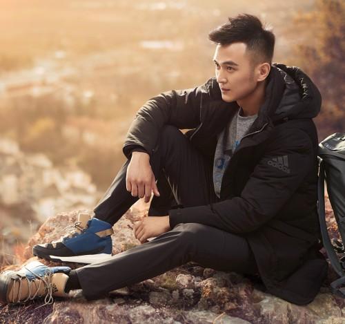 Adidas_Koreanline_Cover_thumbnail_2